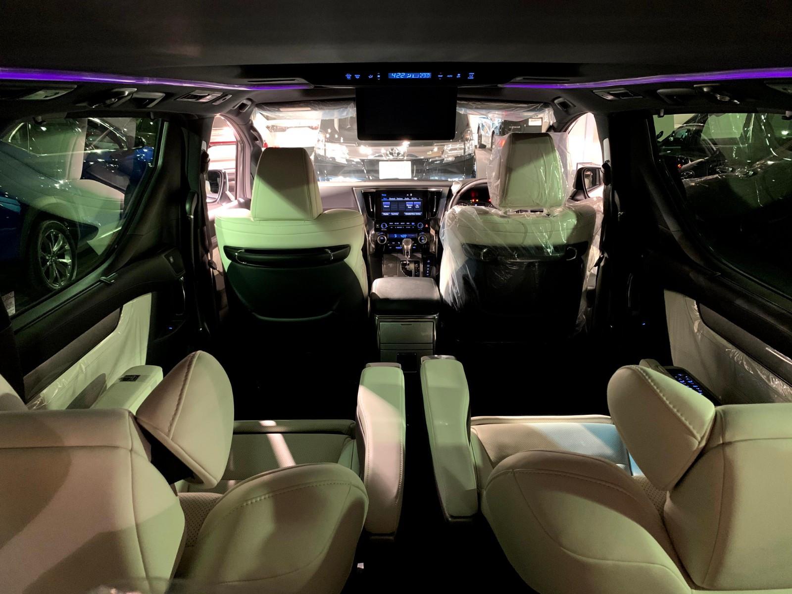 Alphard 3.5 Executive Lounge S - Image 7