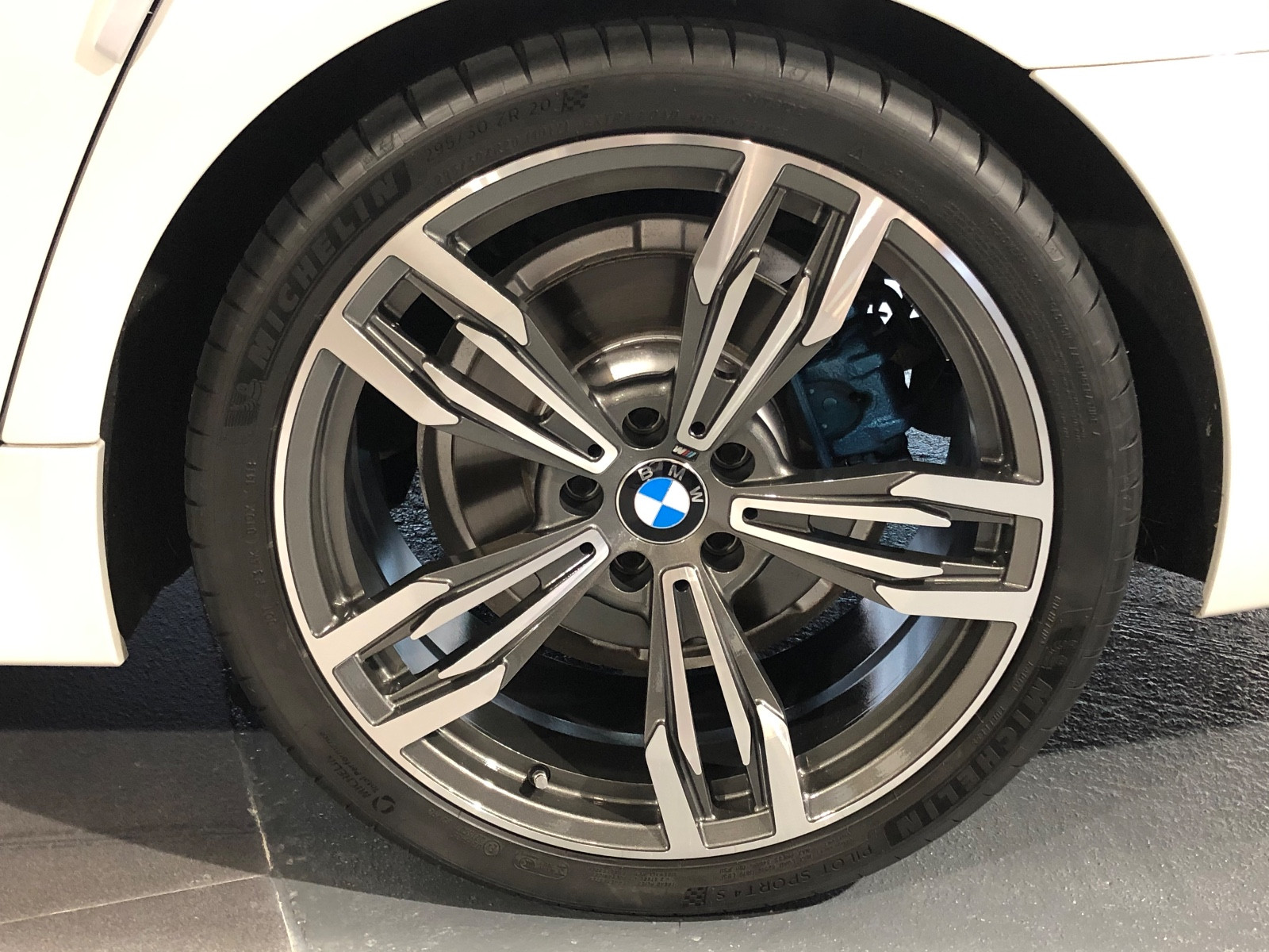 BMW Active Hybrid 5 M-Sport - Image 7