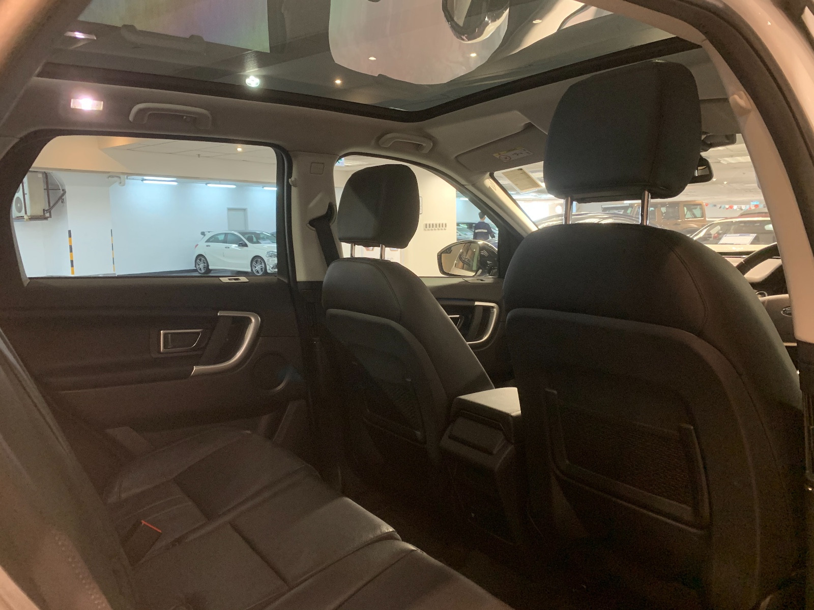 Discovery Sport SE 7S P240 - Image 4